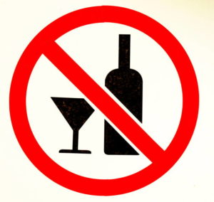 sign no alcohol on white background